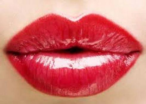 Идеальный мейк-ап для губ: 3 варианта (ФОТО)