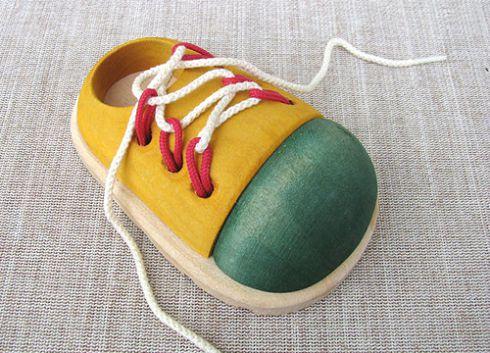 Як навчити дитину швидко зав'язувати шнурки [ВІДЕО]