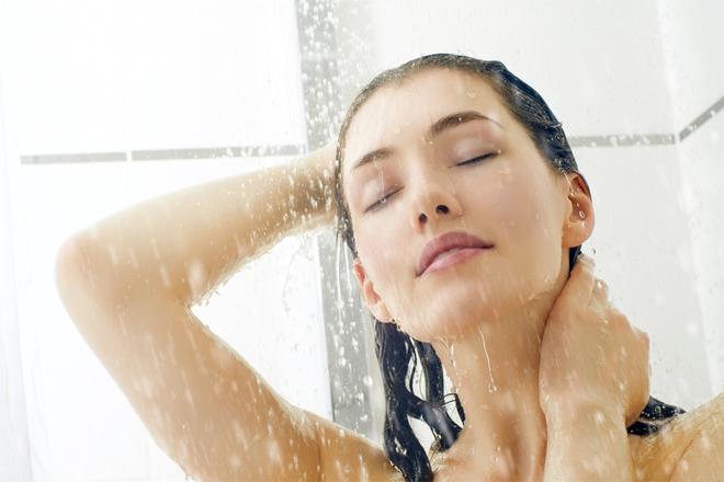 Контрастний душ: користь та схуднення