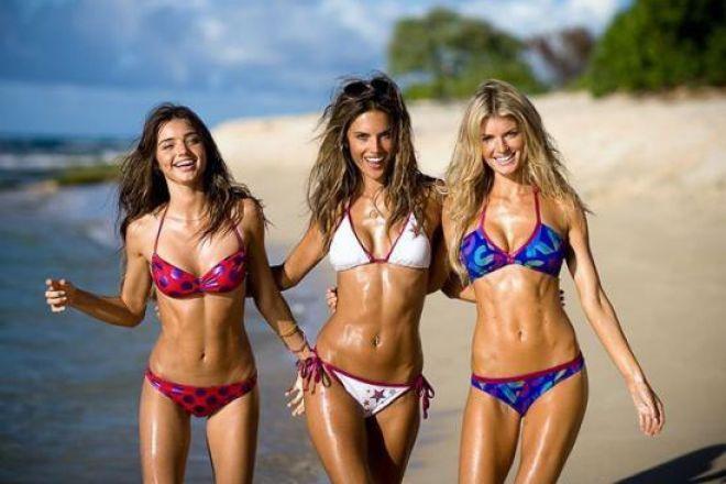 Рельєфний прес: 5 легких вправ для плоского живота