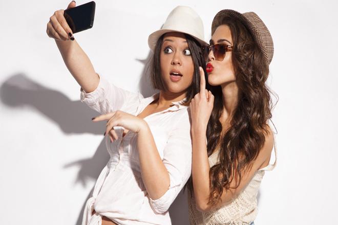 6 секретів від дівчат, які завжди виходять красунями на фото