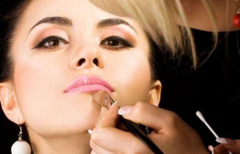 Мастер-класс по макияжу от Avon