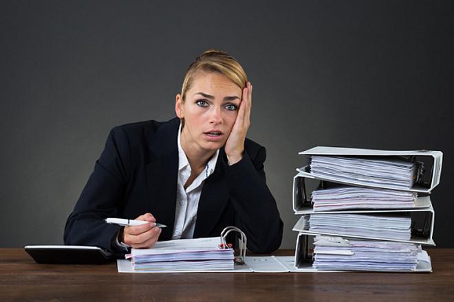 Надто багато працюєте: 7 ознак, що вам пора зупинитись