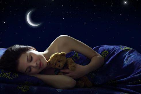 ТОП-5 продуктів, які допоможуть швидше заснути