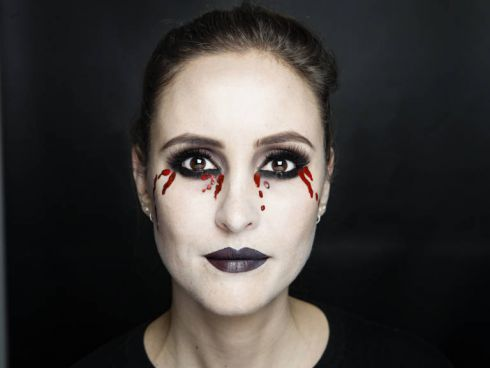 Вампірський макіяж на Хеллоуїн: майстер-клас