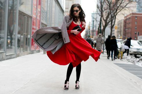 6 стильних різновидів червоної сукні