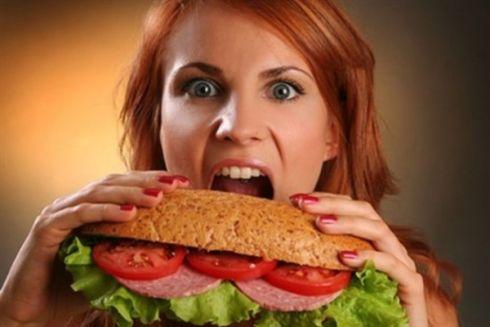 Причина переїдання криється у цих продуктах