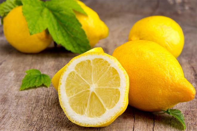 Топ-5 рецептів з соком лимона для краси та молодості шкіри