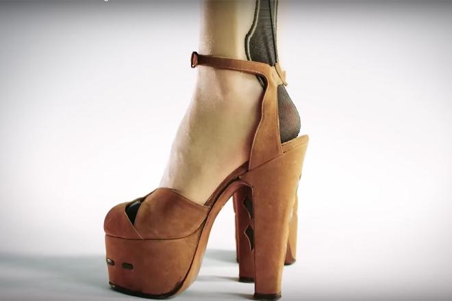 100 років в одному відео: як змінювалась мода на жіночі туфлі? [ВІДЕО]