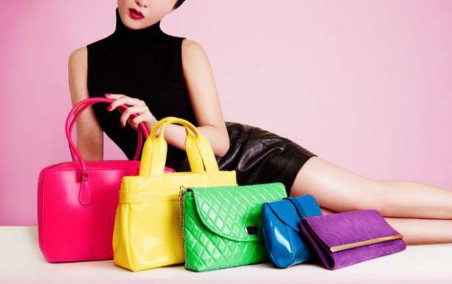 Как выбрать цвет женской сумочки