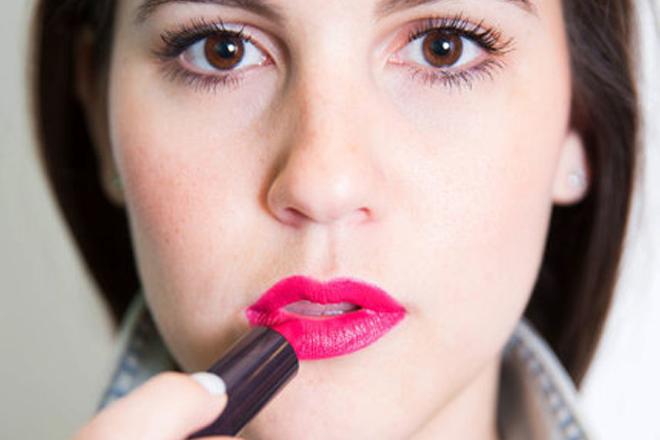 Як зробити ідеальний макіяж губ?