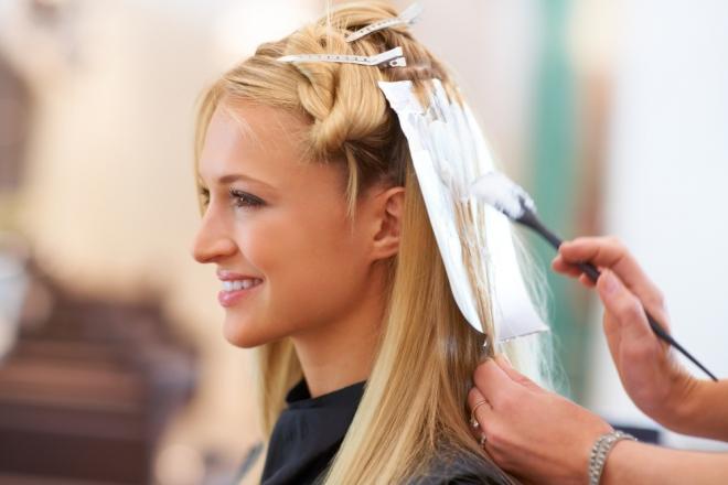 5 міфів про волосся, які тобі розповідають в салоні краси