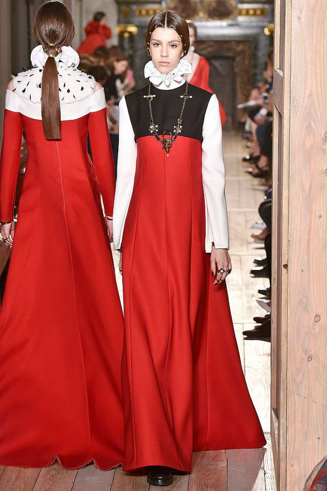 valentino-fall-2016-couture-1116-106158.jpg (101.2 Kb)