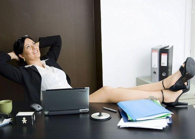 woman-in-an-office.jpg (32.16 Kb)