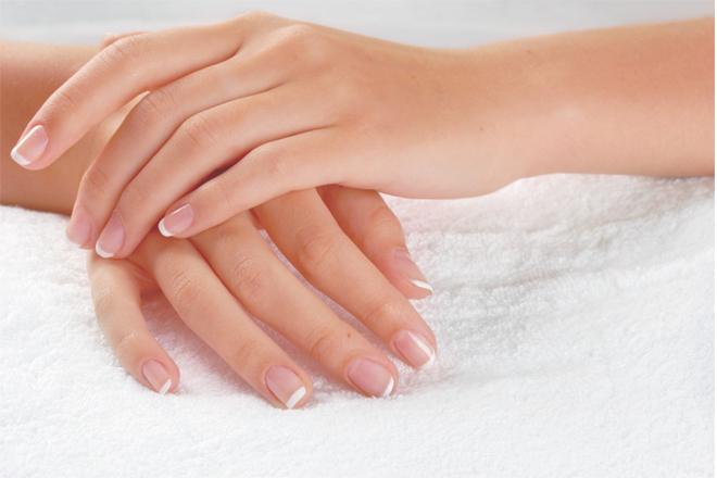 Як доглядати за нігтями просто та ефективно?
